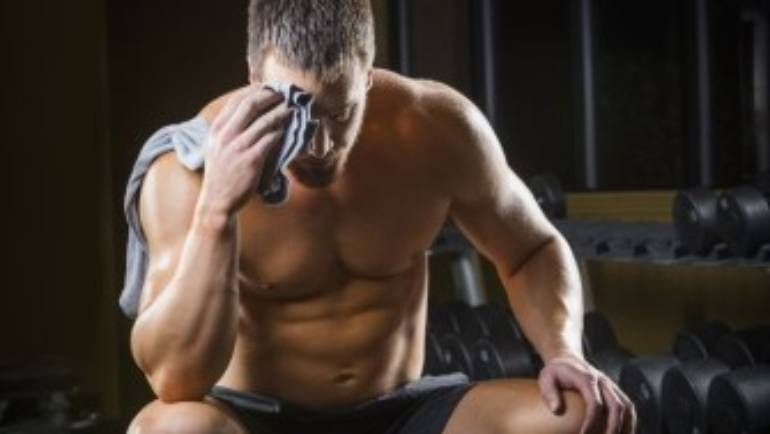 4 Symptoms of Low Testosterone Levels (and How to Boost it)